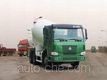 豪泺牌ZZ5257GJBN3847C型混凝土搅拌运输车